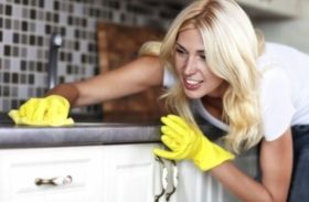 Bucătăria, de 100.000 de ori mai infectă decât baia