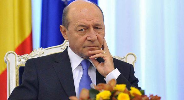 Băsescu: Mai candidez o dată la PREŞEDINŢIE