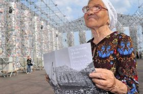 La 90 de ani, o bunicuță călătorește în toată lumea doar din banii de pensie