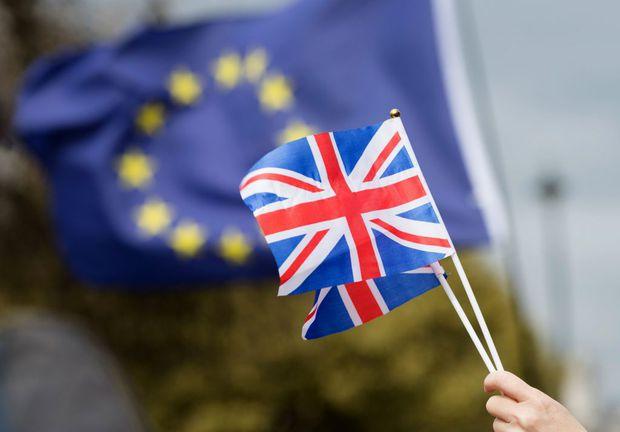 ATENȚIE ROMÂNI! Libera circulație în Anglia se încheie în martie 2019
